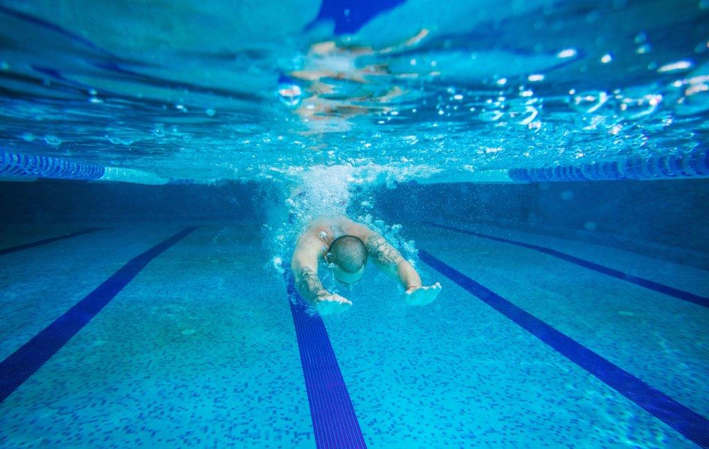 Naakt zwemmen