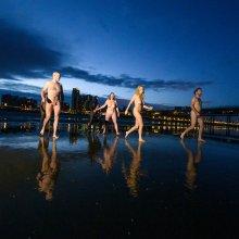 Naakt zwemmen in de winter in open water