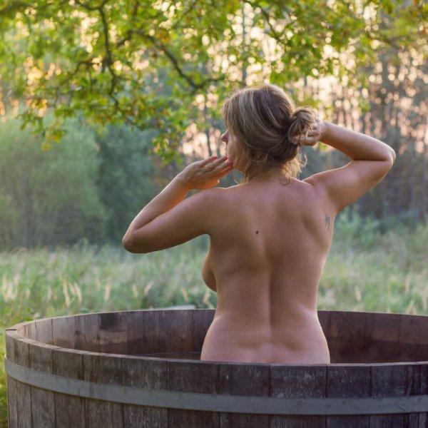 vrouw in badkuip natuurlijk! nfn