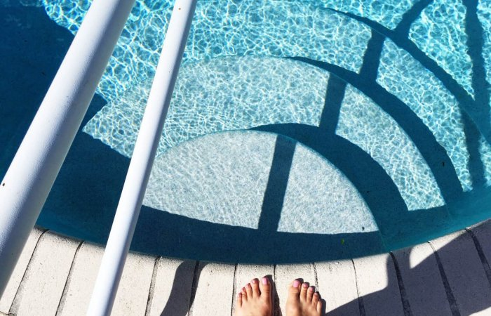 zwembad voeten natuurlijk! nfn